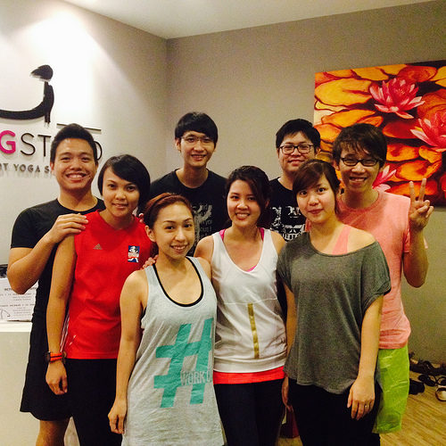 Updog yoga singapore member
