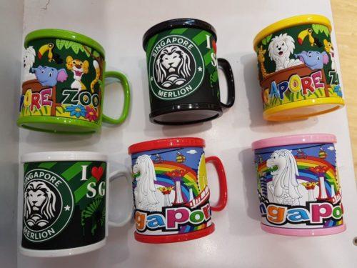 Singapore souvenirs plastic mugs