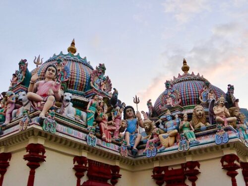 How to get sri mariamman temple
